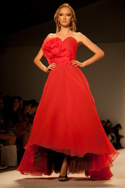 mercedes benz fashion week,new york fashion week,fashion week spring 2011,venexiana 2011